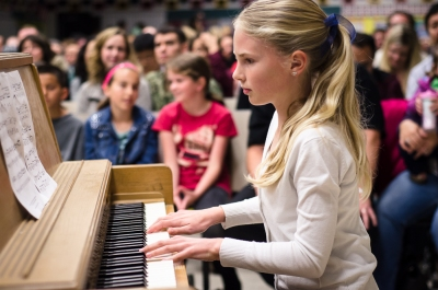 """Let It Go"" on the piano by Anna"