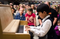 David with a piano medley